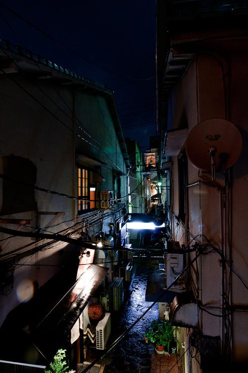 Alley in Nishi-Nakasu