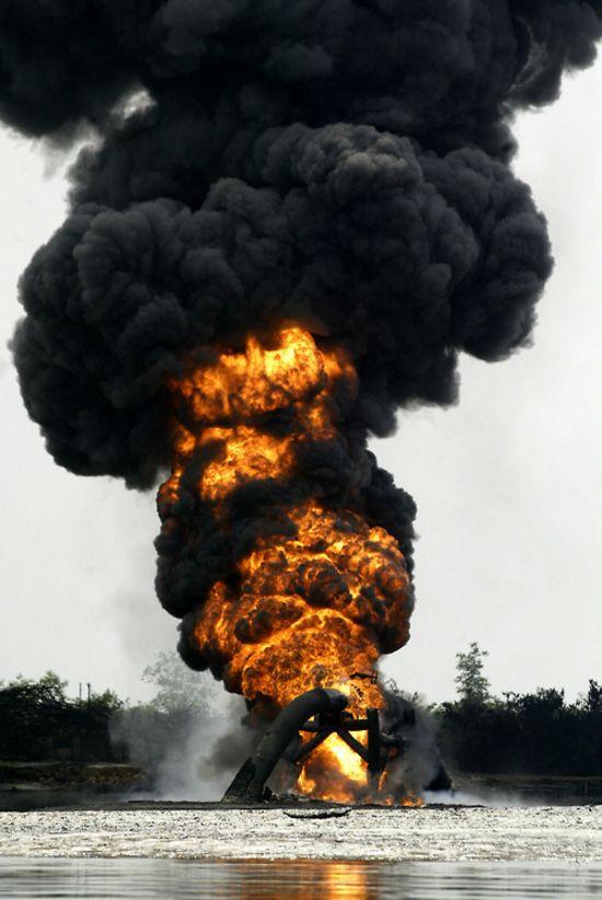 NIGERIA OIL EXPLOSION