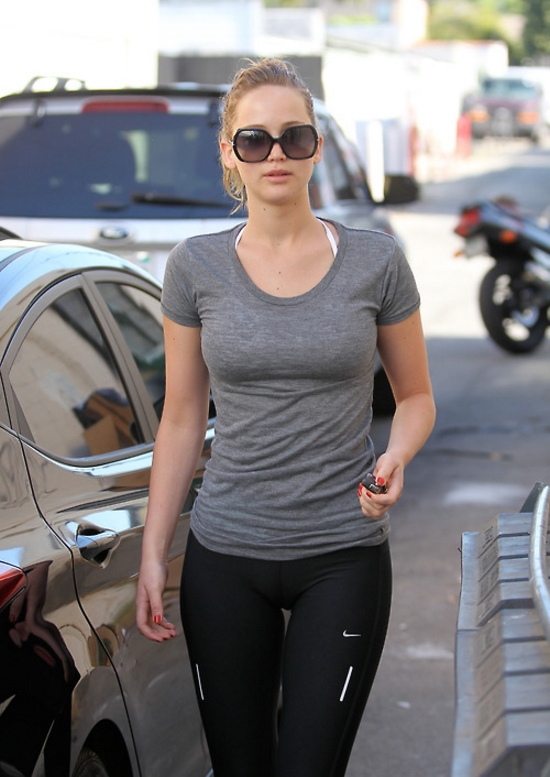 Jennifer Lawrence Heads To The Gym